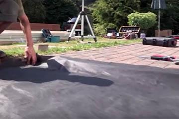 Terrassenboden verlegen - Unkrautvlies