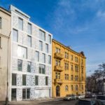 HI-MACS®Bieblova-Apartments am Tag