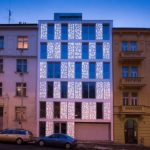 HI-MACS®Bieblova-Apartments bei Nacht